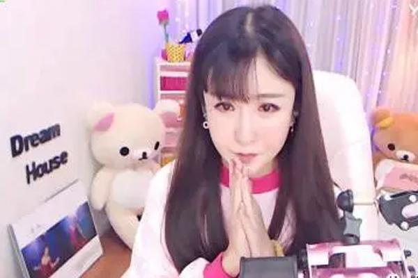 网红女主播:夏可可-第1张图片-周小辉博客