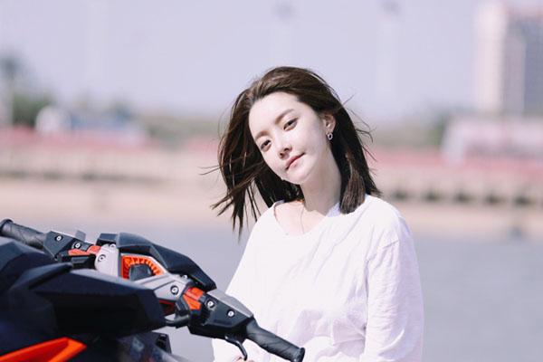 甜美网络歌手:崔阿扎