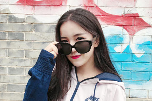 抖音主播:惠子ssica-第1张图片-周小辉博客